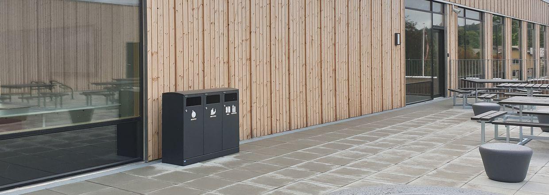 Outdoor waste bin, model number 713